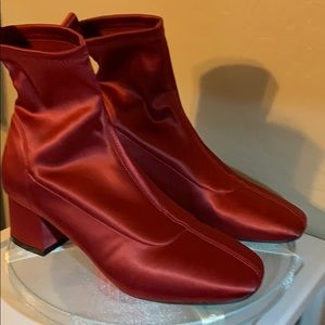 Forever 21 🥾 Ankle Boots Exotic Red Silky
